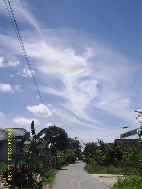 fenomena pelangi api atau rainbow dunia 24 jam