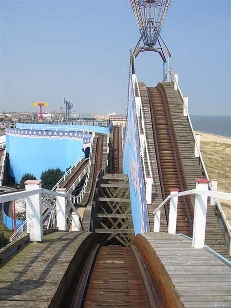 theme park yarmouth great yarmouth pleasure beach theme park review s 2006