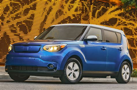 Kia Soul 0 60 The 20 Slowest 2015 Vehicles From 0 60 Mph Motor Trend
