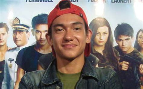 puisi adipati dolken di film operation wedding azizah akira s note adipati dolken