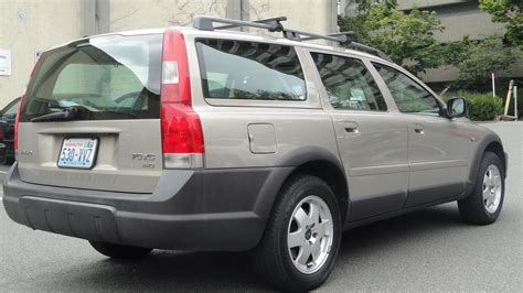 volvo  awd cross country