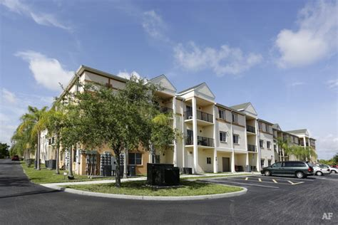 Apartment Ratings Fort Myers Fl Mariner S Landing Apartments Fort Myers Fl Apartment