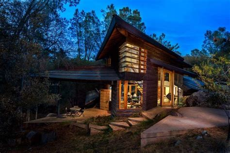 celebrated snowboarder s mountain home designs for living vt house built into mountain house plan 2017