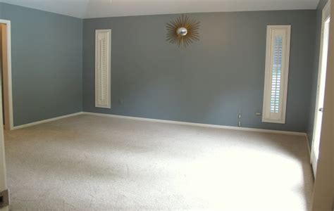 behr blue gray paint color