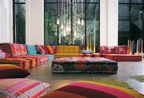 patio interior en usufructo cojines de colores decorativos para el hogar