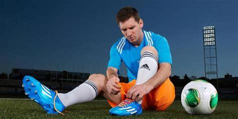 Sepatu Bola Adidas Messi For Socer Players Sporty Made In detail sepatu adidas messi untuk piala dunia bola net