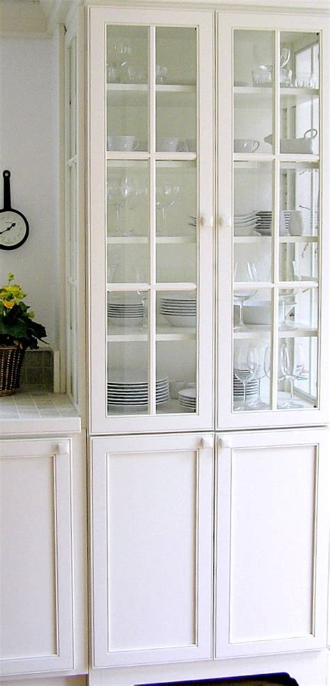 what to display in glass kitchen cabinets 17 best images about kitchen display ideas on pinterest