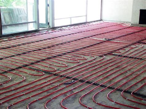 accensione riscaldamento a pavimento tubi radianti riscaldamento elementi riscaldamento