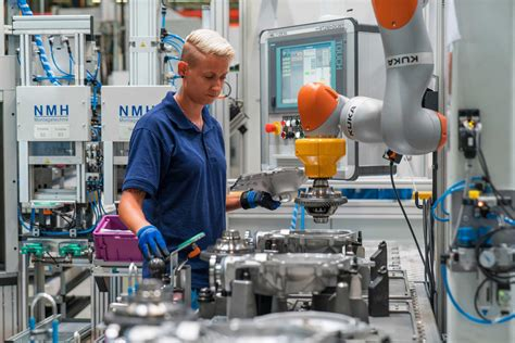 bmw group harnesses potential  innovative automation