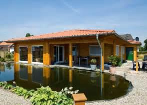 blockhaus mit veranda holzhaus bungalow sehr sch 246 n mit pool veranda