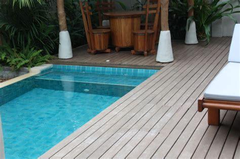 terrasse mit pool quot pool mit terrasse und kleinem sitzbereich quot metadee resort