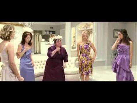 bridesmaids couch scene bridesmaids post 6 twoitu