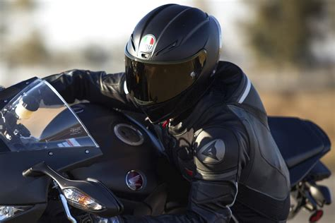 motorcycle gear the 10 best motorcycle helmets of 2017 digital trends