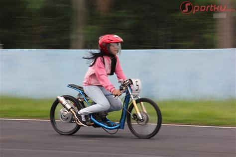 modifikasi motor cantik kumpulan foto drag bike wanita modifikasi co id