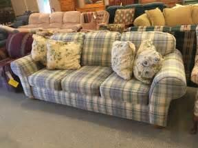 plaid sofa broyhill plaid sofa allegheny furniture consignment