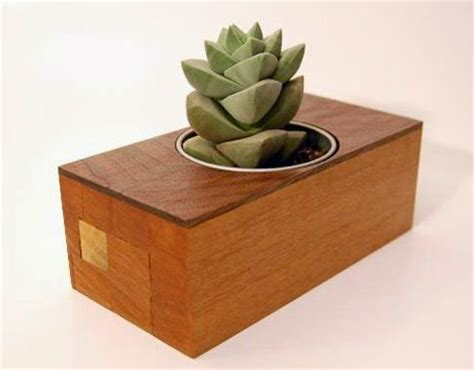 eco friendly home decor products made using recycled wood