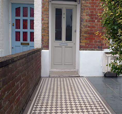 garden wall render ornamental multi colour mosaic mosaic