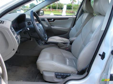 2001 Volvo V70 Interior by Beige Interior 2001 Volvo V70 T5 Photo 38742408
