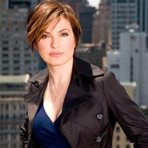 Mariska Hargitay To Continue On 'L&O: SVU', Harry Connick