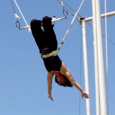 trapeze swing club flying trapeze for beginners popsugar fitness