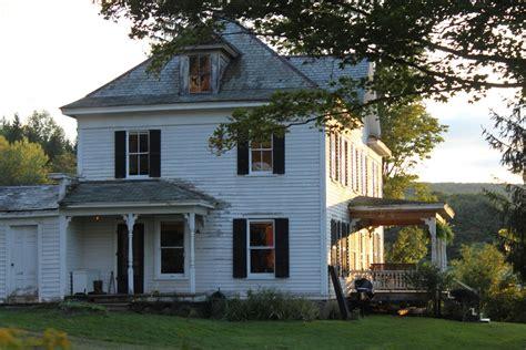 farmhouse homes designtripper