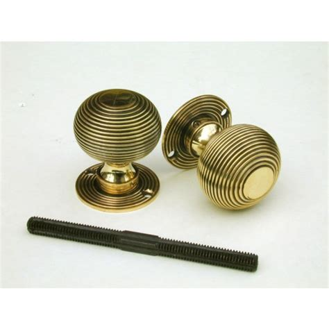 Aged Brass Door Knobs by Large Beehive Door Knobs In Aged Brass Dbee2 From Cheshire