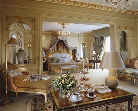 Plaza House Furniture by 25 Best Ideas About Royal Bedroom On