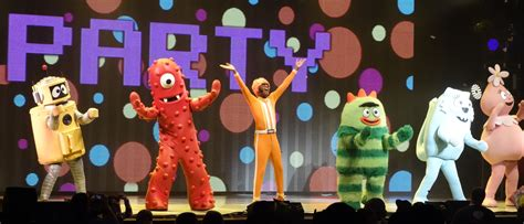 gabba gabba live yo gabba gabba live is awesome tour 2014 holidays oo