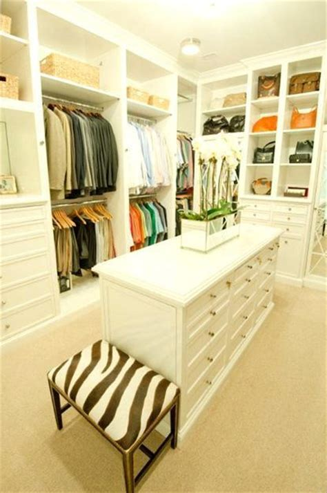 Master Bedroom Closet Layout 33 Walk In Closet Design Ideas To Find Solace In Master