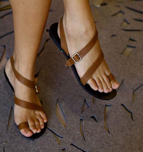 imagenes de sandalias hermosas las 25 mejores ideas sobre sandalias de gladiador en
