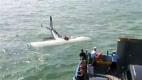 boat crash video aftermath incredible video of plane crash aftermath latest news