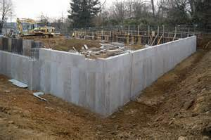 concrete retaining wall on the level with gardner fox