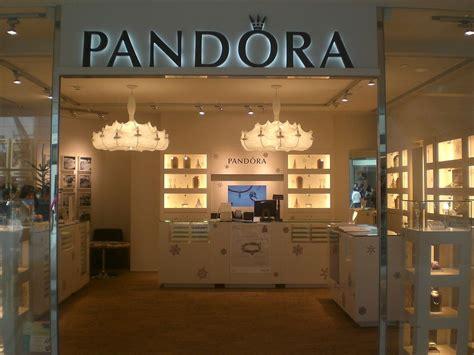 file hk ifc mall central 12 2009 pandora jewelry shop jpg