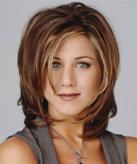 short hairstyles of the 90s 90s hairstyles that we d love to see make a comeback