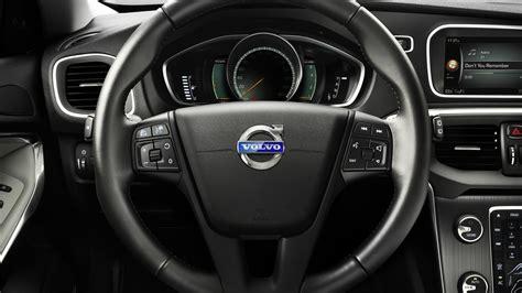 volvo hatchback interior volvo v40 fotos interior exterior volvo cars