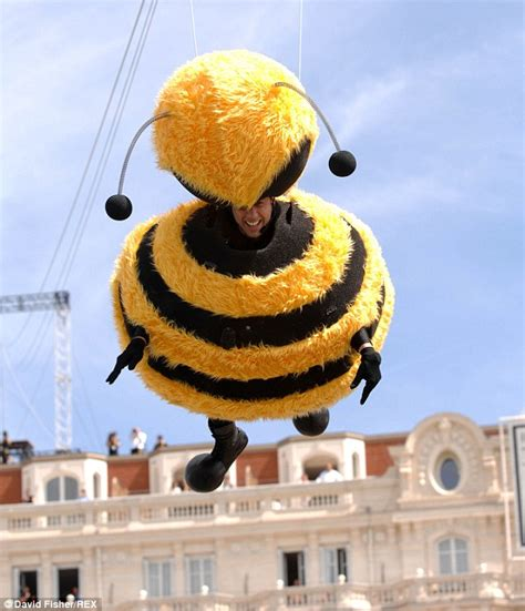 Stylefoul Jerry Seinfeld In Bee Costume by In Cannes You Can Live Like A Without The Blockbuster