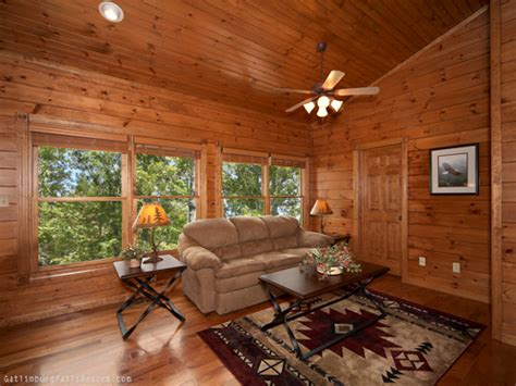 10 bedroom cabins in gatlinburg gatlinburg cabin amazing views 2 bedroom sleeps 10