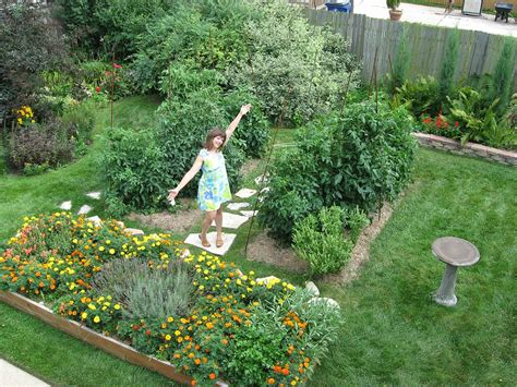 garden in backyard backyard garden idea favethingcom 17 best 1000 ideas about garden stream on pinterest
