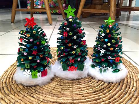 pine cone crafts for christmas decorate pinecone trees crafty morning