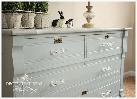 chalk paint furniture decorates