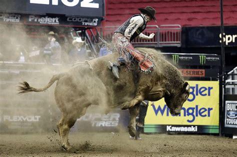 mason lowe professional bull rider dies  suffering