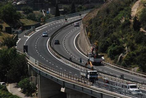 autostrada dei fiori imperia il corvo vuota il sacco sugli appalti dell autofiori
