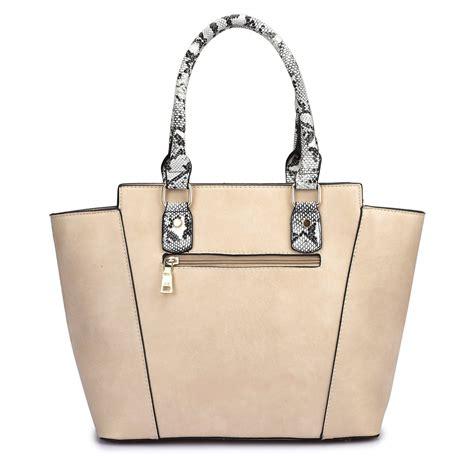 Grysons New Shoulder Bag Version Of The Beautiful Handbag by Move Moda Grayson Caramel Emblem Tote Bag Bag Envy