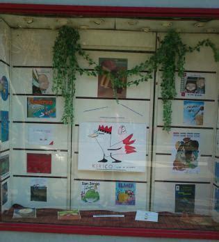 libreria central en zaragoza los escaparates de nuestras librer 237 as se visten de rojo