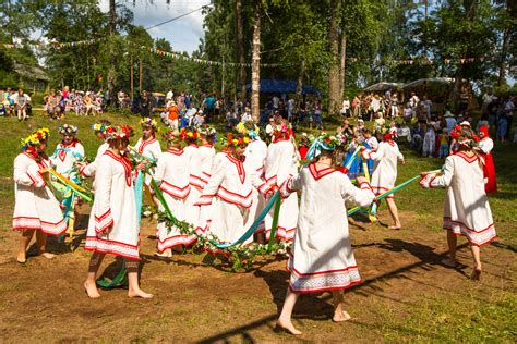 traditions in attractions of russian culture