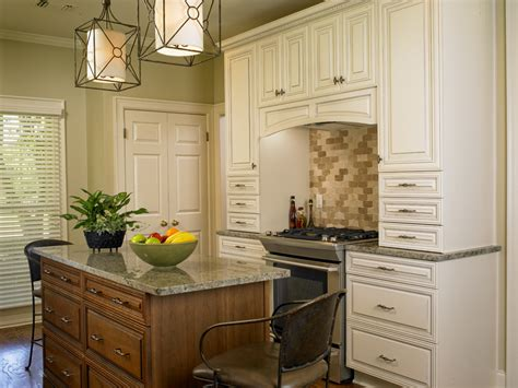 two toned stained kitchen cabinets two tone kitchens savvy solutions for the kitchen and bath