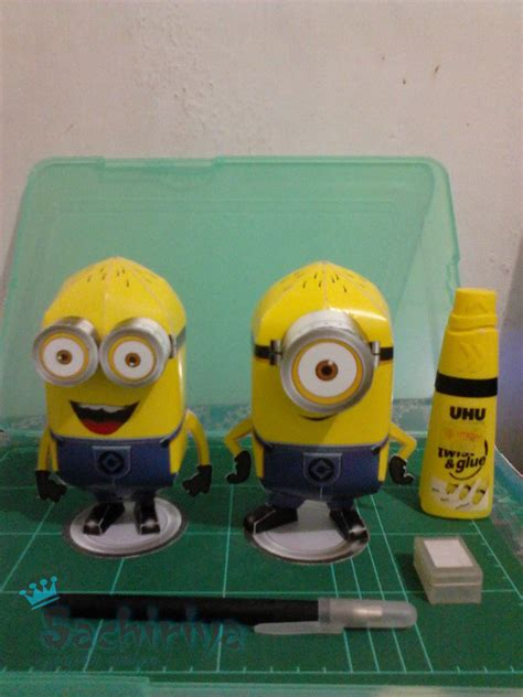 Despicable Me Papercraft - minions despicable me papercraft by sachiriya on deviantart