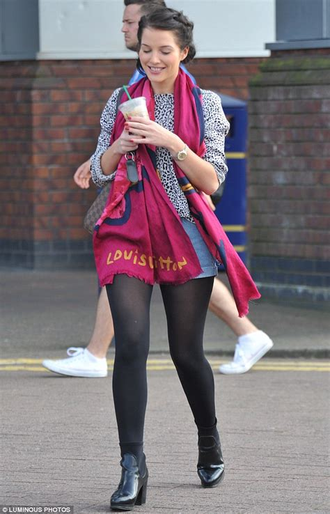 Helen flanagan continues her toned down makeunder as she wears a pair