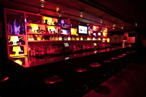 top gay bars in nyc new york gay and lesbian 10best nightlife reviews