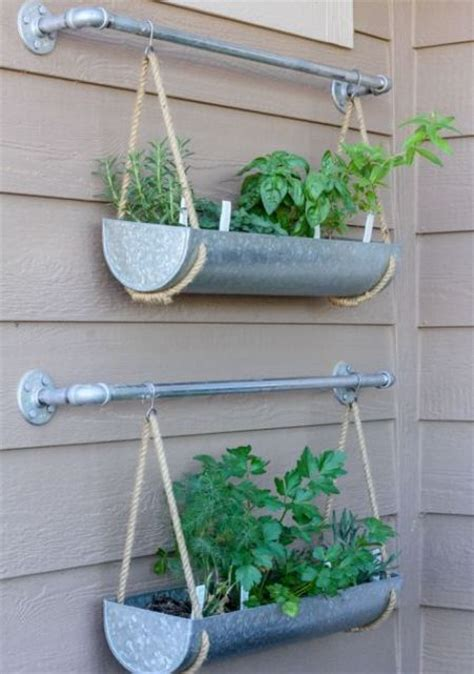 18 Easy Hanging Gardens Ideas For Outdoors Shelterness Garden Wall Hanging Baskets